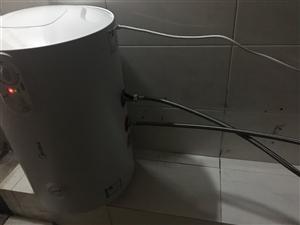 美的热水器,今天刚买的,全新的,买错了容量小了一点,如果三个人用就够了,如大家有须要的请联系我吧,我...