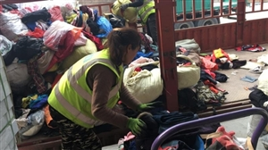高价回收废旧衣物鞋包等,成色新旧不限,布料不限,另在各县区招收代理    电话:1310963635...