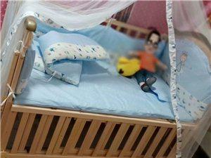 转卖全新婴儿床,纯属木制,安全牢固,柔软舒适!才买来半个月一次都没睡过!(适应年龄0―4岁)  有需...