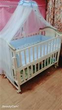 转卖啦[愉快] 本人转卖全新婴儿床[玫瑰] 婴儿床纯属木制作,无任何不良气味,柔软舒适又牢固!(...