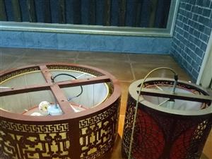 火锅店冰柜厨房餐具(7成新),大厅灯,6方天然气全部低价转卖