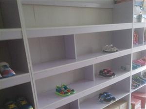 处理鞋子展示柜 及所有一线品牌童鞋  展示柜 九成新 单个高1.8米  宽1.5米  厚0.3米  ...