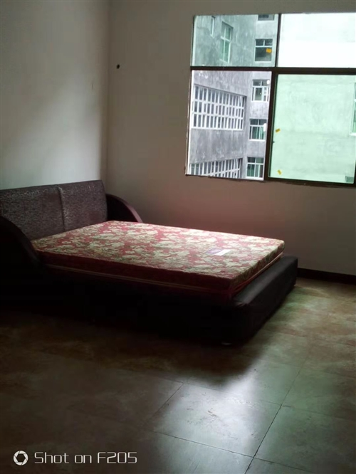 长期收购二手床、洗衣机、冰箱、空调等家具家电!