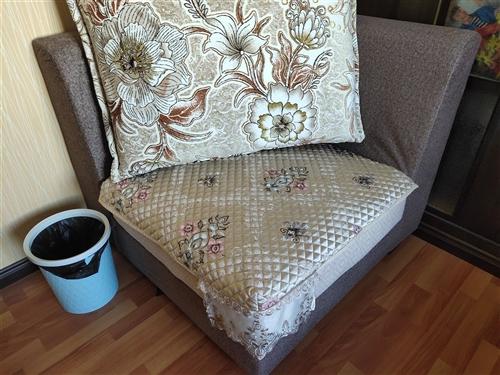全新沙发转让,全新全新全新,带坐垫,还有个茶几,洗衣机,电视