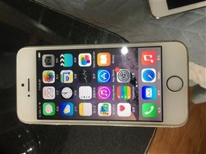 iPhone5S 金色 16G 无修  换过电池。目前系统版本7.12 ,稳定 流畅。自用备用机,外...