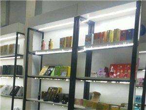 化妆品展示柜,酒柜鞋柜,新买用了两个月,现低价转让,在新郑市