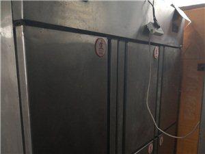 台湾城出售早餐全套东西,四门和六门冰柜。13303748962