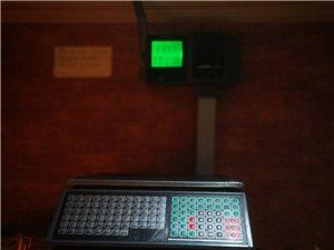 半价处理多功能收银系统,收银机,9成新,可散称也可计量。