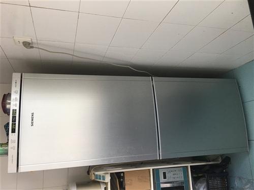 西门子冰箱一台,容量大,性能良好,;西门子滚筒全自动洗衣机一台,性能优良。低价出售,有意者来电咨询。...