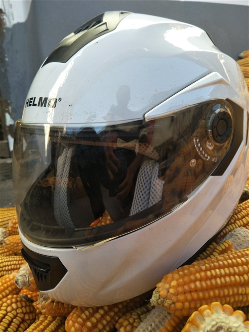 摩托车头盔处理 ,揭面头盔 ,60元