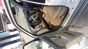 换车了  诚心出售13年2月的众泰5008  实表跑了2.7万公里  刚验的车  和保险都是全年的 ...