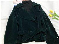金丝绒短外套 适合95~120斤  158以上的穿 全新已取吊牌 要的可以联系我(短信)备注:...