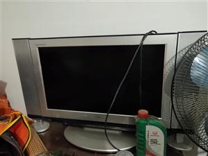电视和沙发有需要的联