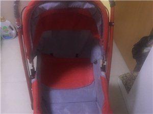 现有八成新婴儿车一辆 可折叠 260入手 欲半价出售 诚心要价格还可以商量。可送货上门。