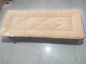 少儿之家儿童床垫,透气型  9成新