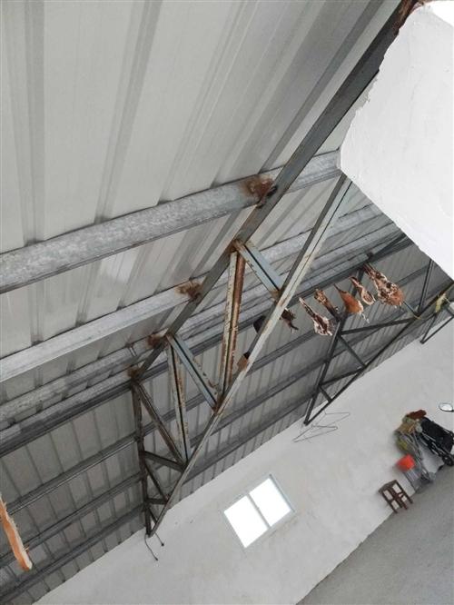 工程完工闲置二手钢梁  一坡水4×4角钢制作双拼梁   跨度8米  还剩14架  适合仓库以及养殖场...