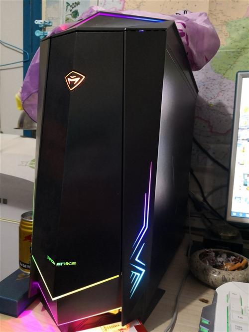 臺式電腦99新,不想在此地工作了,又不方便搬,有需要聯系我,還有別的很多不需要的東西!