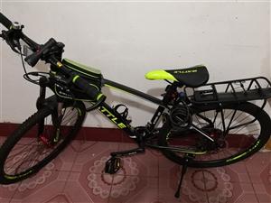 富士达山地自行车,全铝合金,轻巧,33变速,九成新,买来就骑过两次,自行车相关配件,包包,锁齐全!入...