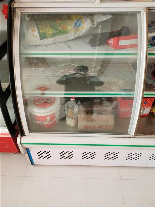 八成新冷藏展示柜,用了有半年多做熟食生意买的,需要的联系我,地址白雀。