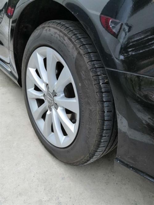 出售自家原廠拆車輪轂加輪胎(因改裝輪轂):奧迪A6L17寸輪轂,225/55R17倍耐力P7輪胎。