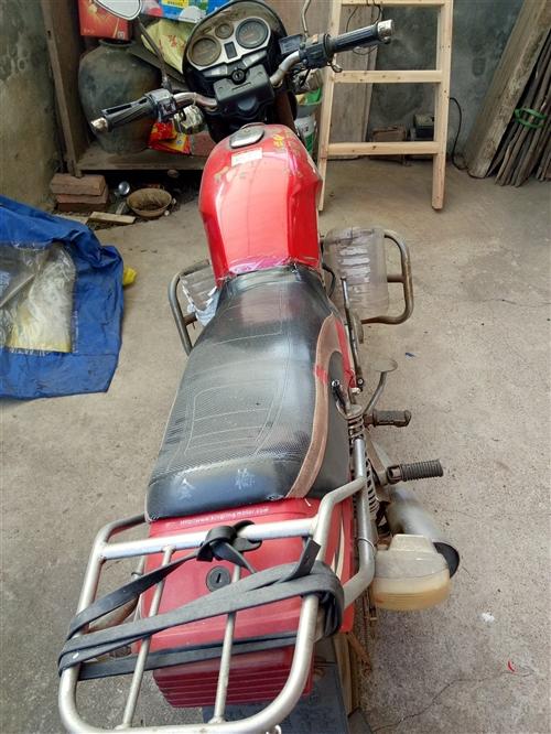 转让二手摩托车一辆,价格便宜,有需要的请联系。
