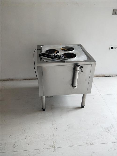 本人有蒸包炉一台,桌子两张,猛火炉一个,单洗碗池一个,价格偏宜,