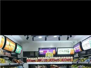 零食超市�架,地方小了�[不下,�Q成地堆,全新的。��涑鍪�。