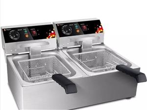 低价处理:自动收款机(双屏)制冰机,保温箱,微波炉,保温池,封口机,油炸炉,煎饼炉。价格从优!(...