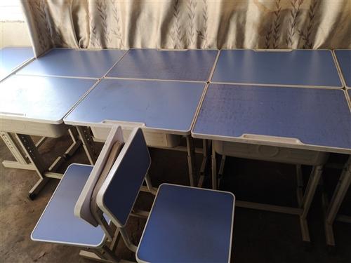 低价出售补课用桌10套。单人单桌,九成新。