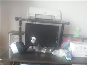 戴尔电脑一台送电脑桌