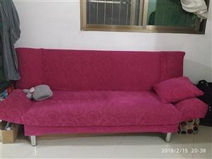 布沙发,靠背可以放下当床睡,同城自提,租的房子太小没必要放了,非常便宜转让