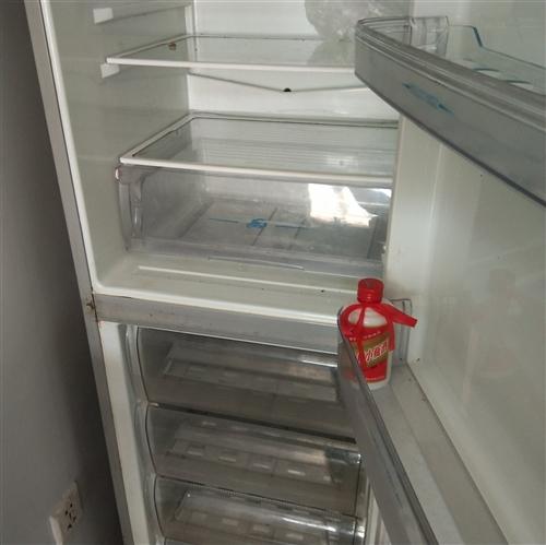 搬家冰箱便宜出卖