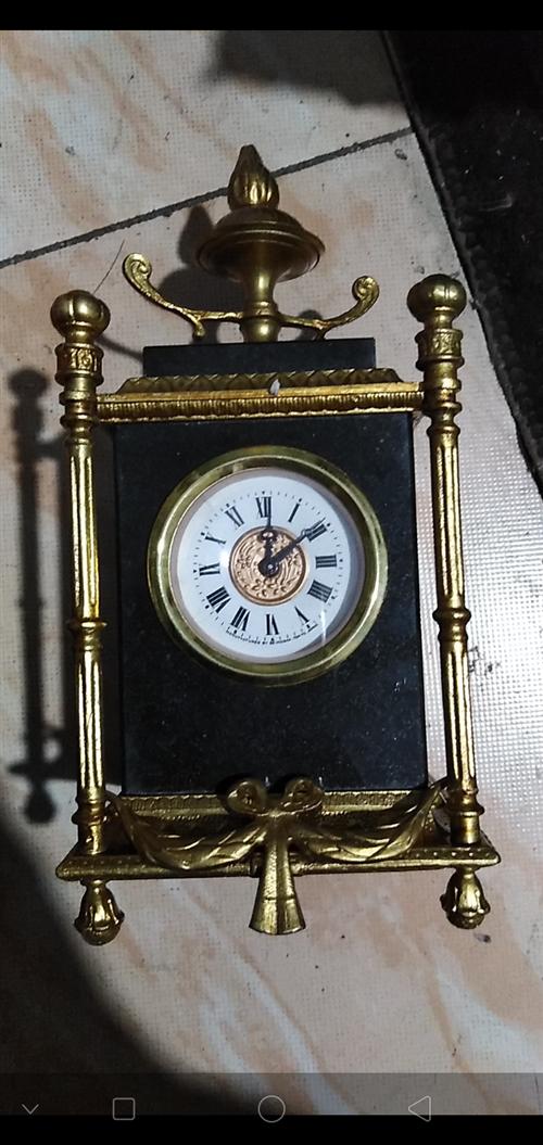 祖传镏金老挂钟,进口的,不知什么牌子,想要的联系我低价出售。 电话18047310335