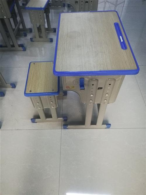 低价出售辅导班桌凳30套,数量有限,95新!65一套!预购从速18509371258