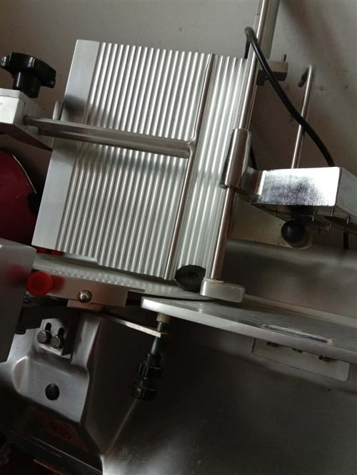 yqr  32自动双电机切肉片机  9成新   4000出售  价格可以商量