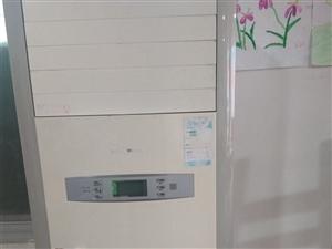 美的空调,3匹柜机低价转让,价格面议,电话:13479789726.刘