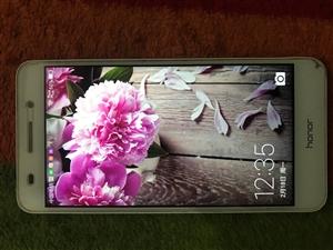 低价出售华为荣耀 出售闲置手机99新,原装钢化屏破啦没换,屏幕没有问题,没有任何问题可以人格担保