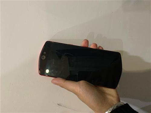 美圖T9手機,因為換了手機所以把美圖給出售了,手機完好無損,沒有任何問題,用了半年左右。有需要的聯系...
