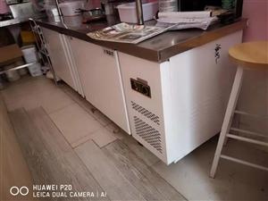 平冷冷藏柜,2米乘1米6乘80,1968买的用了一个月几乎全新,1200转卖,可议价