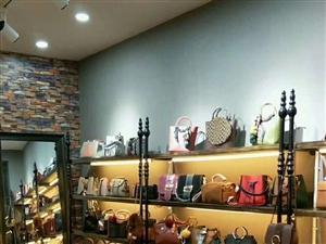 本店不开。现有欧式鞋架。实木。可开鞋店包店均可用。