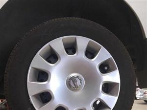 自用轩逸经典铁轮毂四套,全部带塑料边盖,很新,使用一年左右,因换铝合金轮毂现低价处理,15元一套边盖...