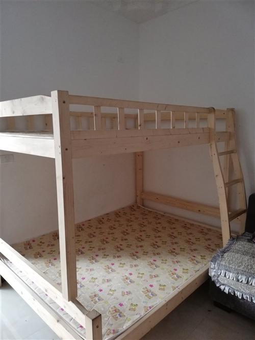 實木上下鋪床,上層1米3,下層1米5.送床墊,低價處理
