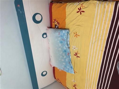 1.5米床加床垫,