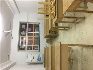 教育�C���D��n桌板凳,基本全新
