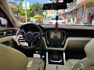 T700配置最高那款,新车落地16万多,一年准新车,2万公里,准备换车,见钱就卖