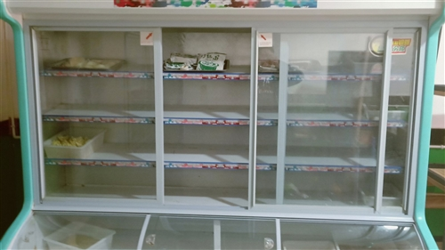 点菜柜,长2米高1.9米宽80公分,美百加,冷冻冷藏双制。