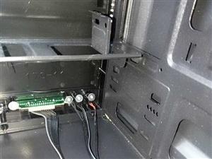 电脑主机箱 游戏电脑小主机箱带走开关.插口与排线,有9成新.共有16个,全部220块,需要的老板私我...