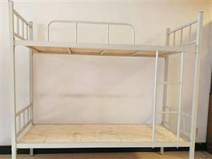 便宜出售两个90×200高低床,18年买的,九成新,适合宿舍里用