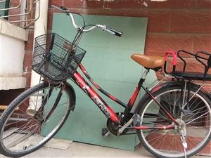 红旗自行车,九成新,带儿童座。因用不上了,现友情转让,230元。