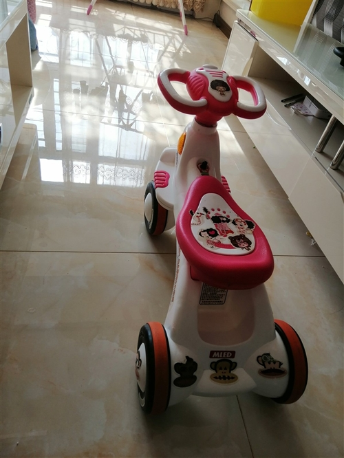宝贝爱车,因为家里车太多,物美价廉,喜欢就把它带回家。